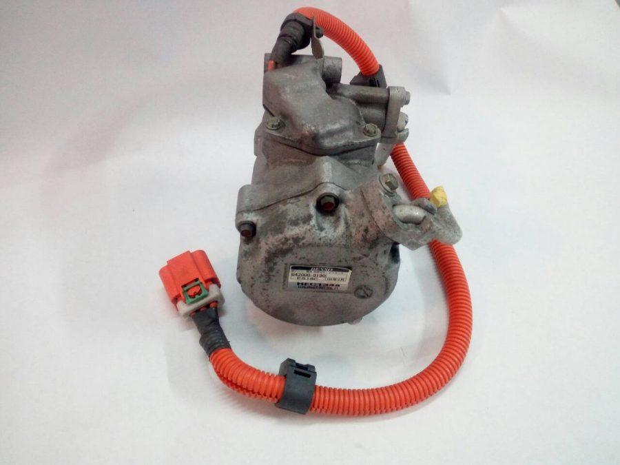 компрессор кондиционера Toyota Prius 03-09г